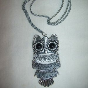 Jewelry - Vintage Owl Splice Design Pendant Necklace